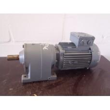 260 RPM 0,75 KW SEW eurodrive, Unused. Let op, gebroken pootje.