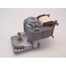 .10 RPM 230 volt elektromotor Unused.