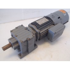 107 RPM 0,75 KW Geremd / Encoder SEW-Eurodrive, unused.
