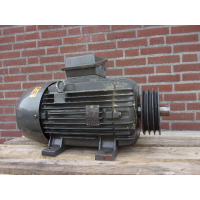 15 KW 1450 RPM As 42 mm. Used.