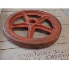 Zwaar gietijzer wiel,diameter 460 mm. Nieuw oude voorraad industrieel