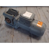 13,5 RPM   0,25 KW As 20 mm  Bauer.  Geremd.