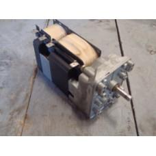 .40 RPM 230 volt elektromotor links en rechtsom draaiend