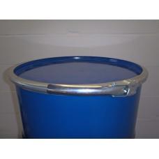 metalen vaten/tonnen 200 liter deksel en klem 88x59cm stalen. In nieuwstaat