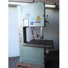 Vertikale lintzaagmachine, merk Bäuerle. Type : BS 800 lintzaag.
