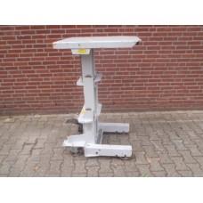 Mobile heftafel hoogte max.:130 cm . 300 kilo. Gebruikt.