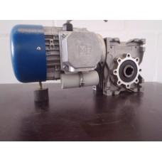 56 RPM   0,9 KW 230 volt  elektromotor