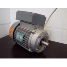 .0,75 KW 1430 toeren 220 volt Lichtnet elektromotor, flensmontage . Used