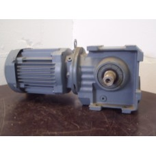 104 RPM 0,18 KW SEW Eurodrive, NEW old stock.