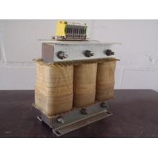 Voeding transformator Pri 575 V, Sec 400 V 8 kVA /120 V 1  kVA